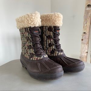 UGG Waterproof Event Boots Size 8
